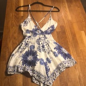 LF white and blue short romper size medium